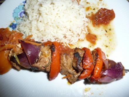 Hirtenspieße gebraten mit Buntem Salat mit Spargel & Butterreis ! - Rezept