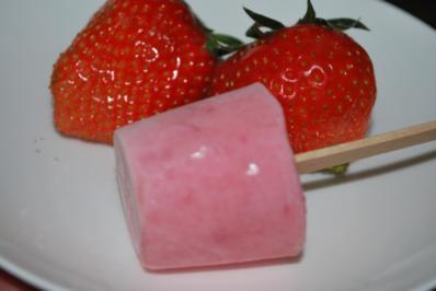 Rezept: Erdbeer-Joghurt-Eis am Stiel
