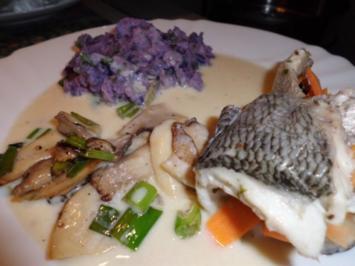 """Fisch: Dorade-Möhren-Rolle mit Weinrahmsoße, Pilze und Kartoffel-Sellerie-Stampf """"Viola"""" - Rezept"""