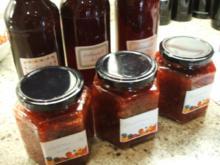 Vorrat: Erdbeersirup und klassische Erdbeermarmelade - Rezept