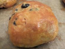 Backen: Käse-Oliven-Pogatschen - Rezept