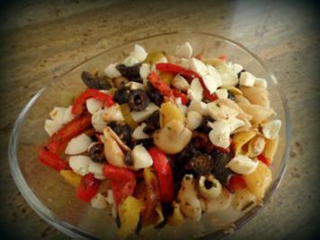 Mediterraner Nudelsalat mit Pesto - Rezept