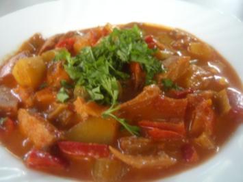 Rezept: Gemüse-Rahm-Gulasch, scharf