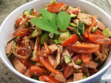 Salate: Bunter Leberkässalat - Rezept