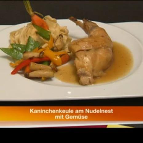Kaninchenkeule am Nudelnest - Rezept