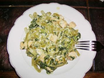 Rezept: Tagliatelle mit Lachs und Spinat