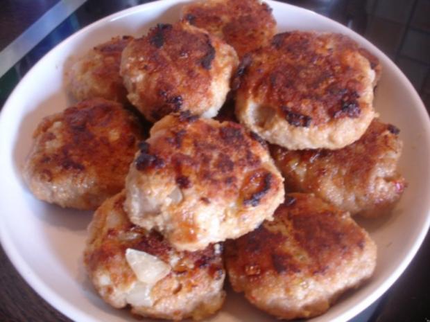 Hackfleischklopse mit Sauce, Möhren-Zucchini-Kartoffel-Stampf und Möhrenblütengemüse - Rezept - Bild Nr. 6