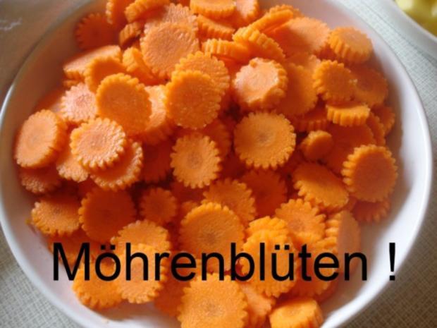 Hackfleischklopse mit Sauce, Möhren-Zucchini-Kartoffel-Stampf und Möhrenblütengemüse - Rezept - Bild Nr. 13