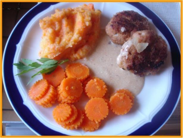 Hackfleischklopse mit Sauce, Möhren-Zucchini-Kartoffel-Stampf und Möhrenblütengemüse - Rezept - Bild Nr. 17