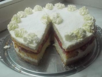 Kuchen - Etagen-Erdbeer-Torte - Rezept