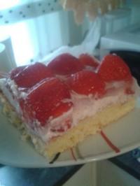 Erdbeer Pudding Kuchen - Rezept