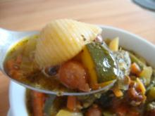 Pesto Suppe, mit viel Einlage - Rezept