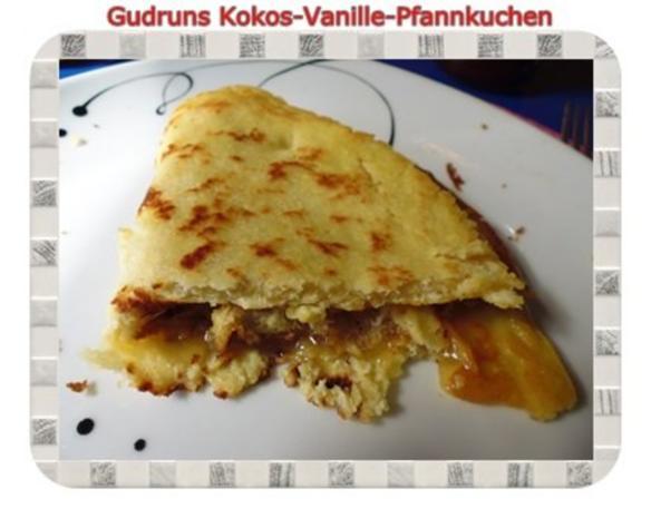 Kuchen: Kokos-Vanille-Pfannkuchen mit Honig und Erdbeermarmelade - Rezept