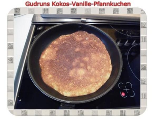 Kuchen: Kokos-Vanille-Pfannkuchen mit Honig und Erdbeermarmelade - Rezept - Bild Nr. 15