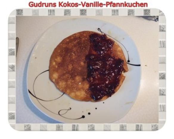 Kuchen Kokos Vanille Pfannkuchen Mit Honig Und Erdbeermarmelade
