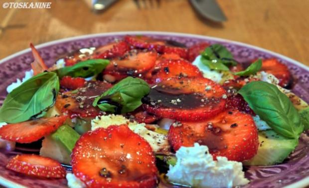 Avocado-Erdbeersalat mit Büffelmozzarella - Rezept - Bild Nr. 8