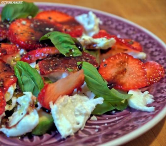 Avocado-Erdbeersalat mit Büffelmozzarella - Rezept - Bild Nr. 9