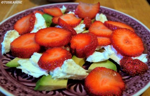 Avocado-Erdbeersalat mit Büffelmozzarella - Rezept - Bild Nr. 6