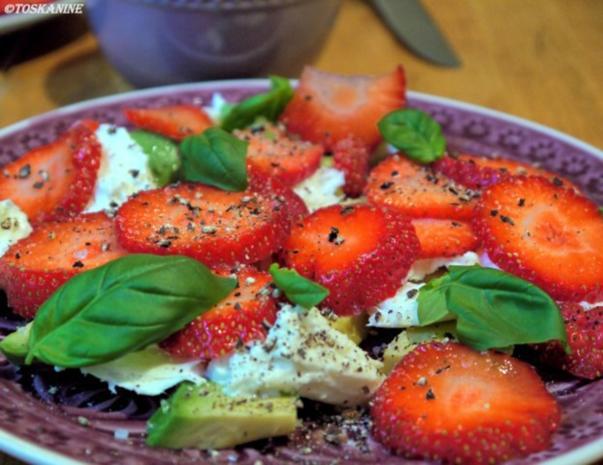 Avocado-Erdbeersalat mit Büffelmozzarella - Rezept - Bild Nr. 7