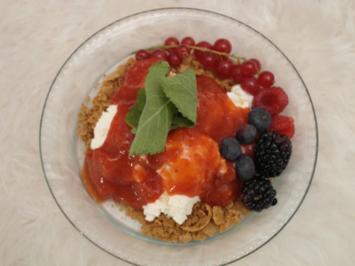 Sahne-Joghurt-Kultur und Beerenlese - Rezept