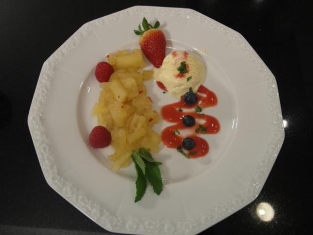 Vanilleeis mit scharfen Apfelkompott - Rezept
