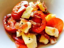 Tomatensalat mit Trüffelsalami und franz. Weichkäse - Rezept