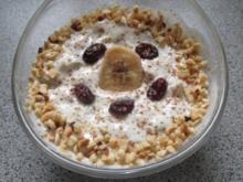 Frühstück: Joghurt mit Trockenfrüchten und mehr - Rezept