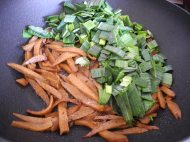 Vegan : Seitan - Pfanne mit Dreierlei-Beilage - Rezept - Bild Nr. 7