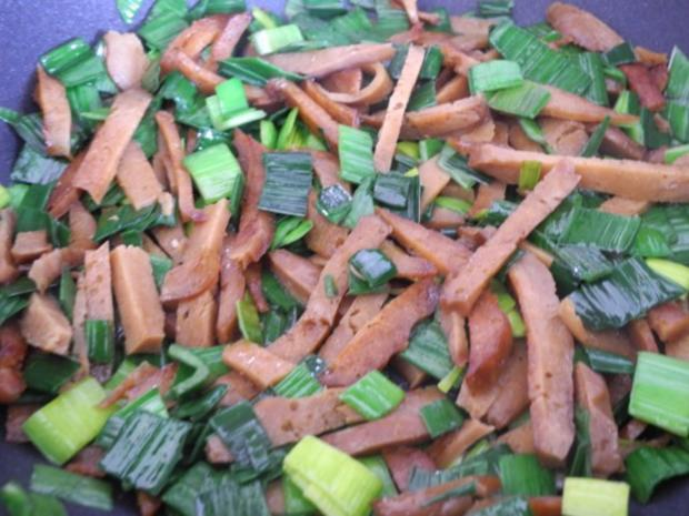Vegan : Seitan - Pfanne mit Dreierlei-Beilage - Rezept - Bild Nr. 8