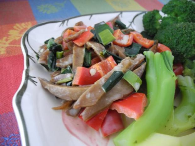 Vegan : Seitan - Pfanne mit Dreierlei-Beilage - Rezept - Bild Nr. 14