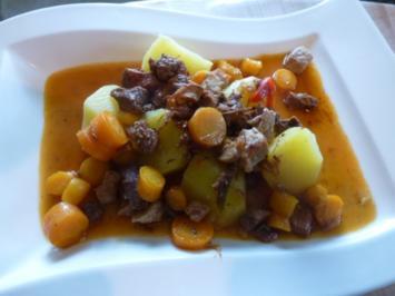 Möhren-Fleischtopf zu Salzkartoffeln - Rezept