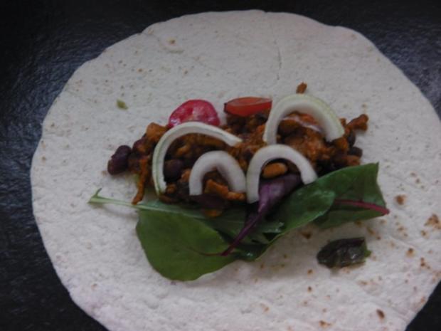 Enchilada mit Chili con carne und Guacamole - Rezept - Bild Nr. 6
