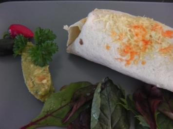 Enchilada mit Chili con carne und Guacamole - Rezept