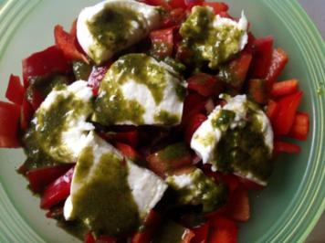 Fruchtiger Paprikasalat mit Mozzarella - Rezept