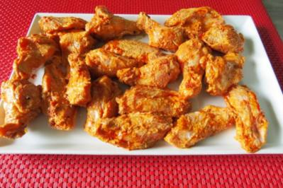 Buffalo Chicken Wings mit Bratgemüse - Rezept