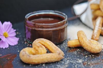 Churros mit heisser Schokolade - Rezept
