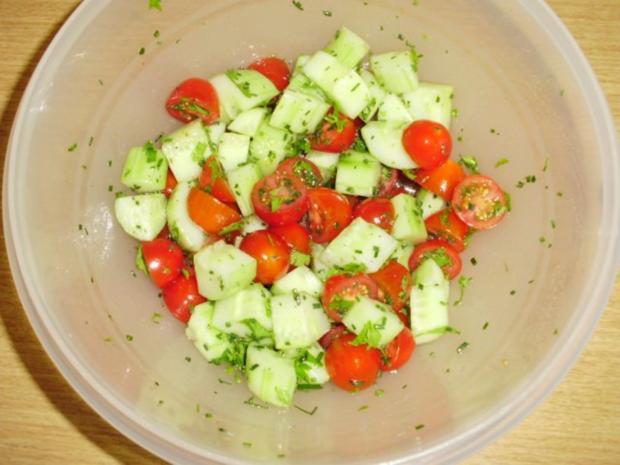 Tomaten-Gurkensalat - Rezept