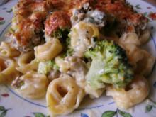 Tortellinigratin....mit Broccoli und weißer Bolognesesauce - Rezept