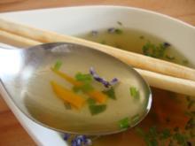 leichte Kräutersuppe - Rezept
