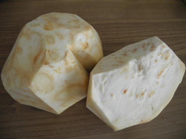 Vegan : Kartoffel-Sellerie-Stampf mit gebuttertem Lauch-Seitan an Gurken-Radieschen-Salat - Rezept - Bild Nr. 3