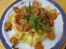 Bandnudeln mit Möhrenblüten-Gemüse-Thunfisch-Sauce - Rezept