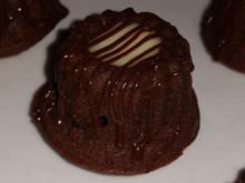 Rotwein-Schokoladen-Gugl mit Vanillepudding - Rezept
