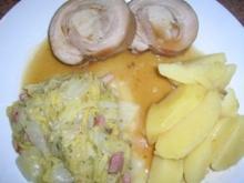 Spanferkelrücken gerollt, an Chinakohlgemüse und Kartoffeln - Rezept