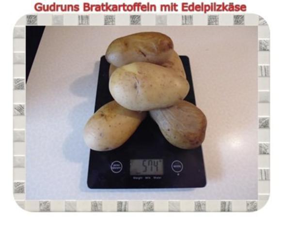 Kartoffeln: Bratkartoffeln mit Edelpilzkäse - Rezept - Bild Nr. 2