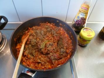 Hackfleisch-Tomaten-Soße für Nudeln - Rezept