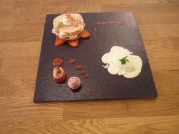 Erdbeeren treffen Maikräuter - Rezept