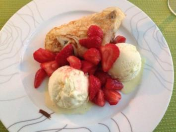 Pfannkuchen mit Nutella, Erdbeeren und Vanilleeis - Rezept
