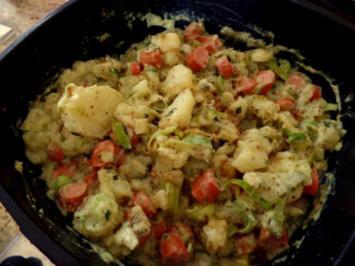 Kartoffel-Würstchen-Béchamel-Gemüse - Rezept
