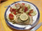 Wildlachs-Filet mit Tomaten-Gurken Salat - Rezept