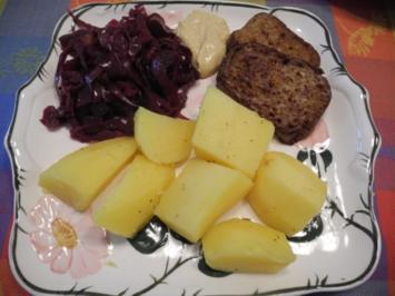 Vegan : Gebratenen Seitan an Kartoffeln und Apfel - Holunder - Rotkohl - Rezept